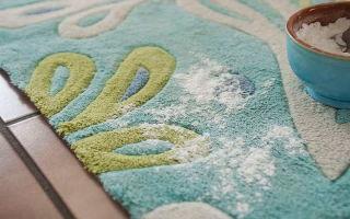 Чистка ковров в домашних условиях: народные методы с использованием соды и уксуса