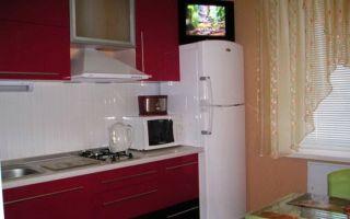 Можно ли ставить телевизор на холодильник на кухне, какой вес неопасен