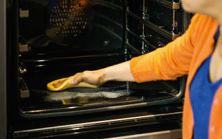 Способы очистки духовых шкафов: какой лучше, чистка духовки паром и системы самоочистки