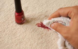 Как убрать пятно от лака для ногтей с одежды, джинса, диванной обивки и прочих тканей: эффективные способы